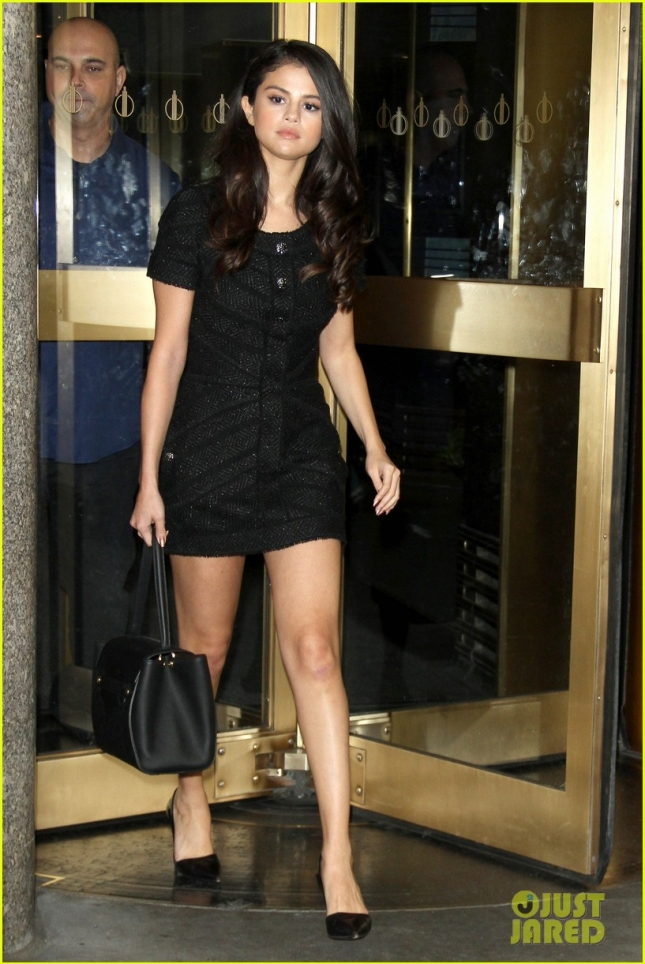 Selena Gomez checks in for a rehearsal on Jimmy Fallon tongiht