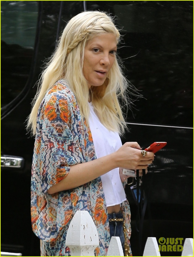 Exclusive... Tori Spelling Gets Worn Out House Hunting