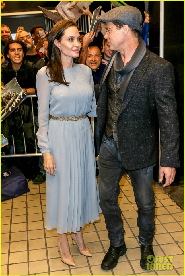angelina-jolie-brad-pitt-couple-up-at-by-the-sea-screening-25