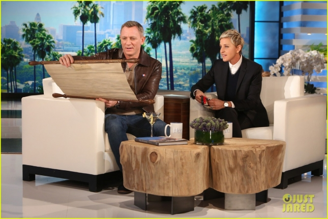 daniel-craig-gifts-ellen-degeneres-with-major-bond-gift-03