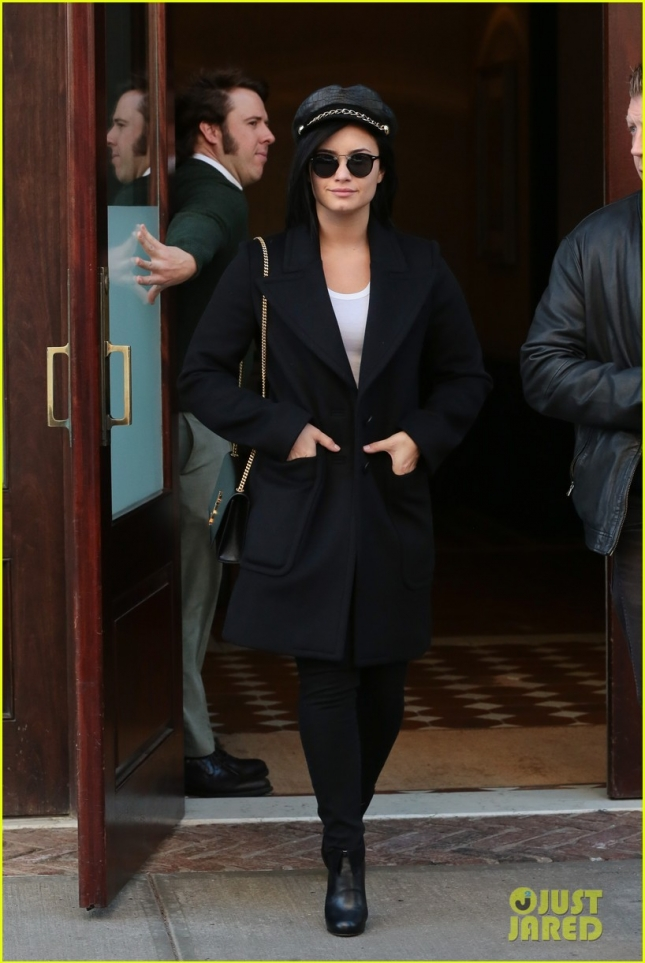 Demi Lovato sign autographs in New York