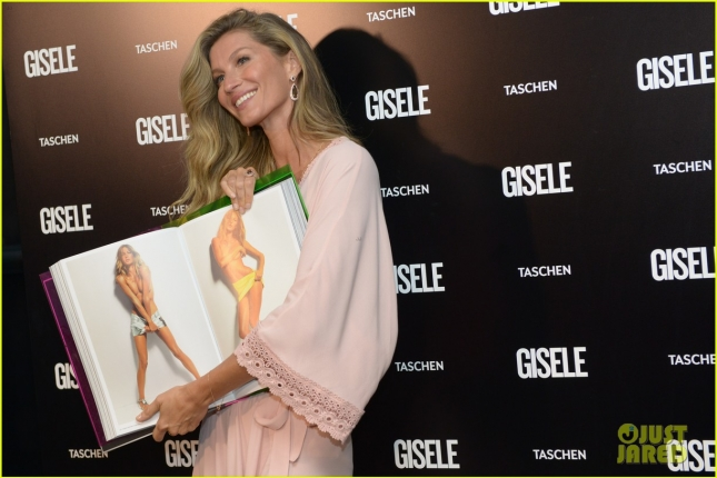 gisele-bundchen-is-feeling-love-support-after-book-sells-out-04