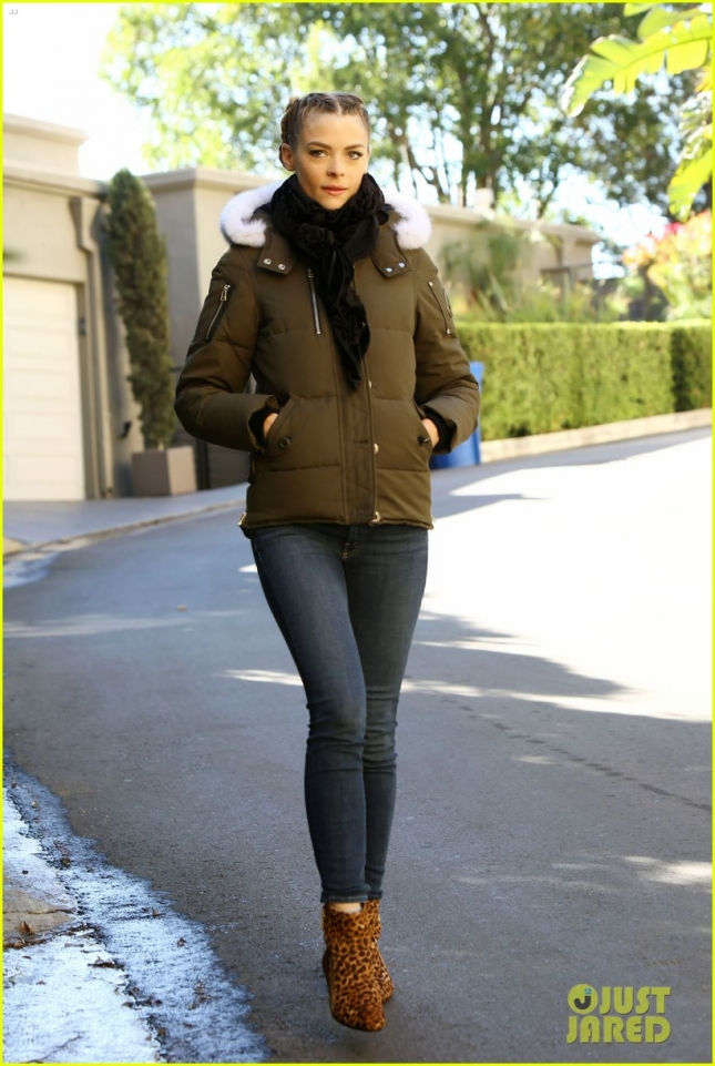 Jaime King Takes a Brisk Morning Walk