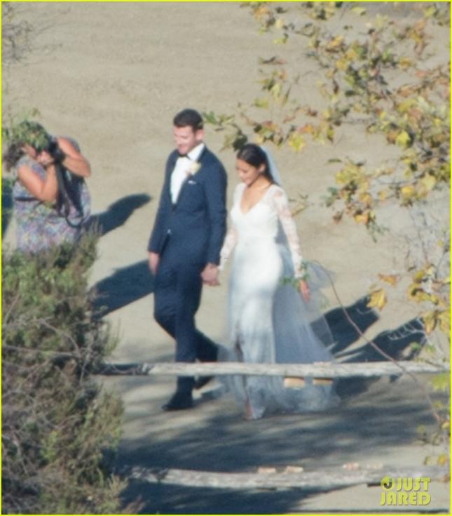 Джейми Чунг и Брайан Гринберг связали себя узами брака в Санта-Барбаре в канун Дня всех святых
