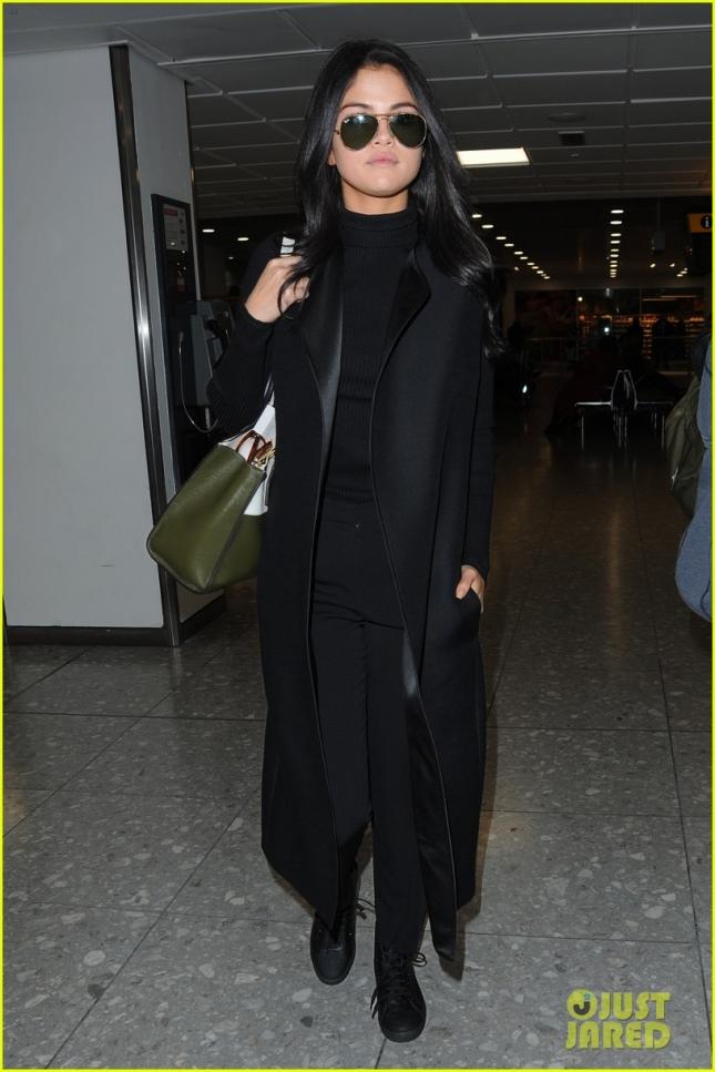 Селена Гомез в аэропорту Хитроу, Лондон
