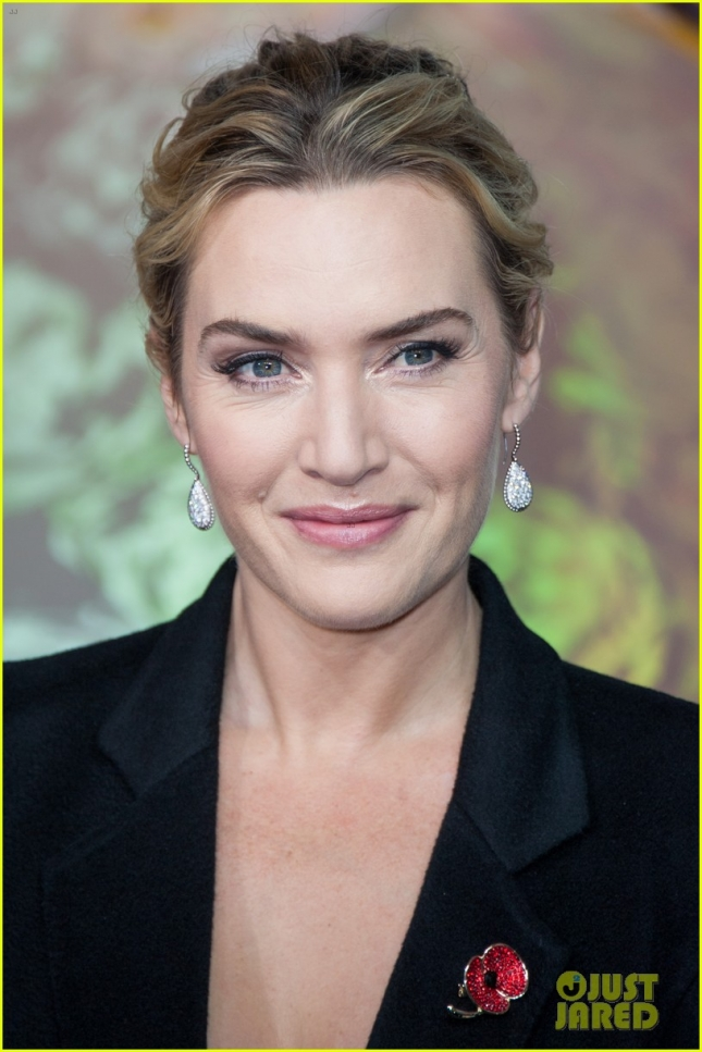 kate-winslet-where-she-keeps-her-oscar-10