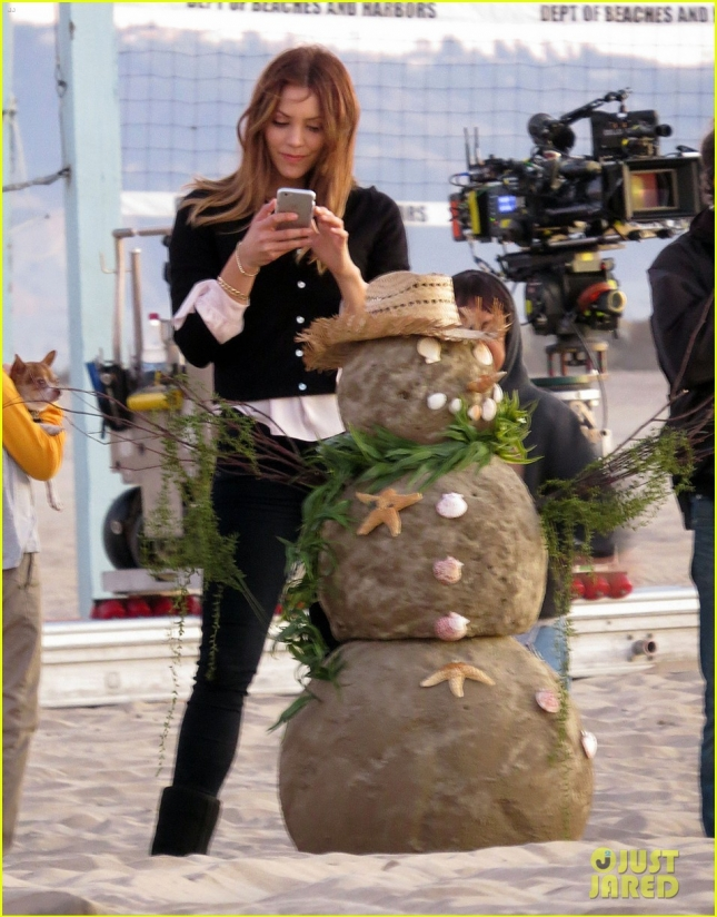 katharine-mcphee-behind-the-scenes-scorpion-02