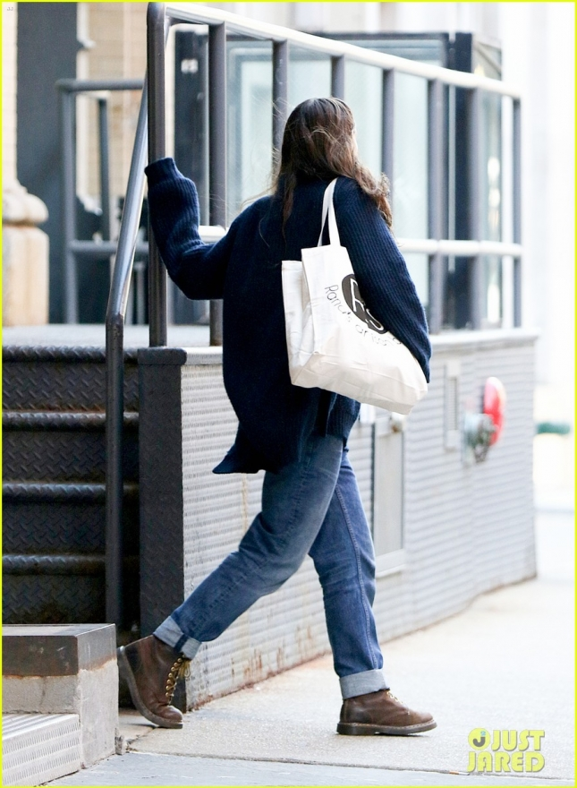 Keira Knightley Leaves Her Apartment
