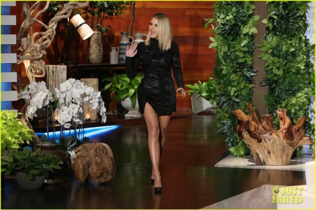 khloe-kardashian-reveals-reason-she-wrote-her-book-01