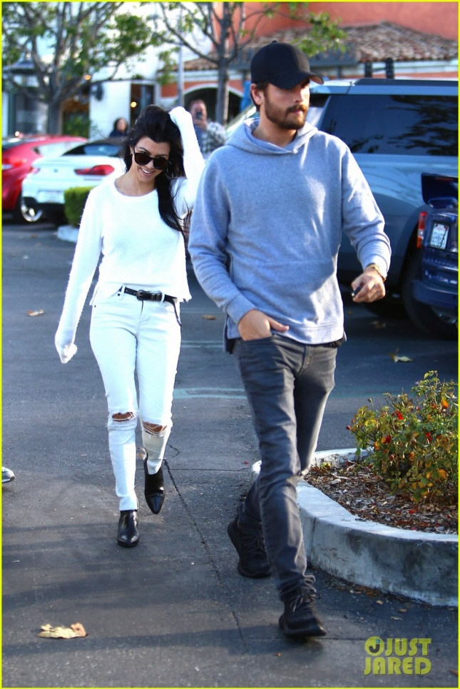 Kourtney Kardashian and Scott Disick in the mood to Reconcile?