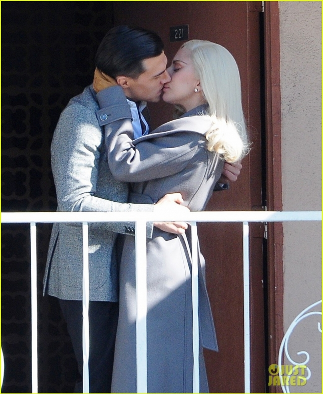 lady-gaga-makes-out-with-finn-wittrock-on-ahs-hotel-set-02