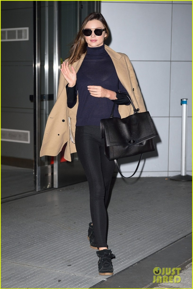 Миранда Керр в аэропорту JFK