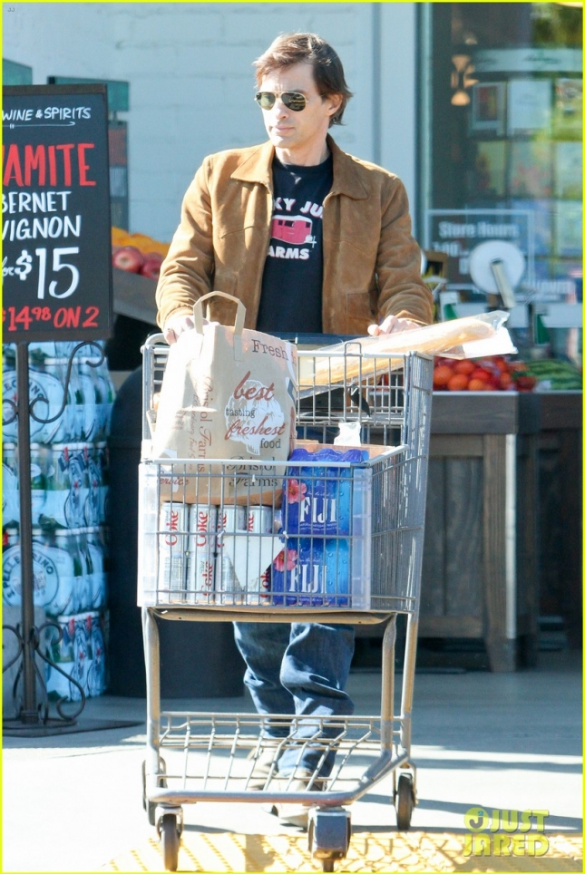 *EXCLUSIVE* Olivier Martinez sneaks out with nanny during a grocery run