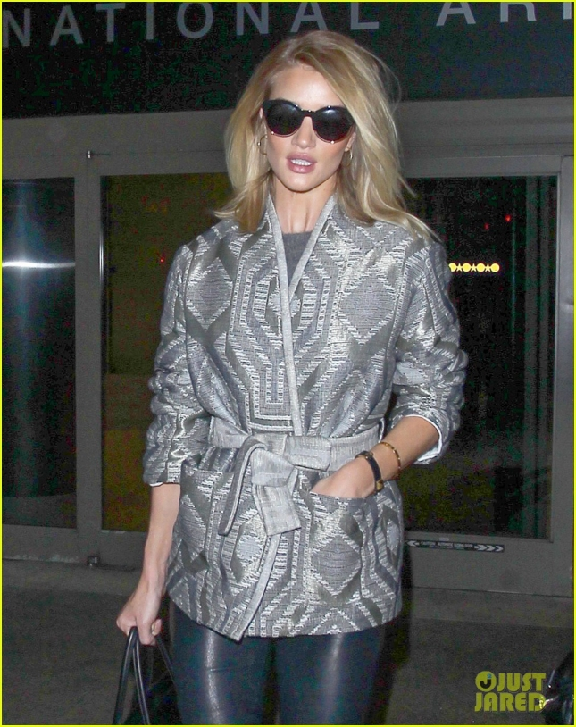 Rosie Huntington-Whiteley Lands In Los Angeles