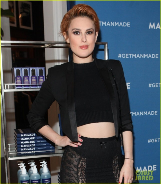 rumer-willis-feels-more-equal-with-dad-bruce-being-on-broadway-at-same-time-04