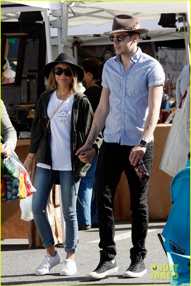 Sarah Hyland and Dominic Sherwood spend the day at the farmers market