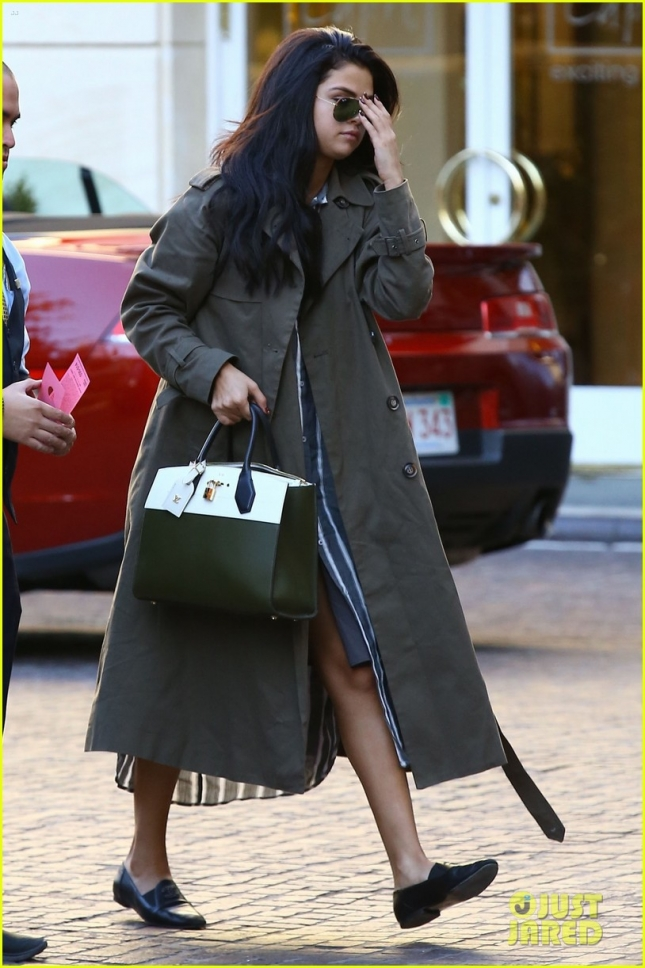Selena Gomez Stops By The Peninsula Hotel