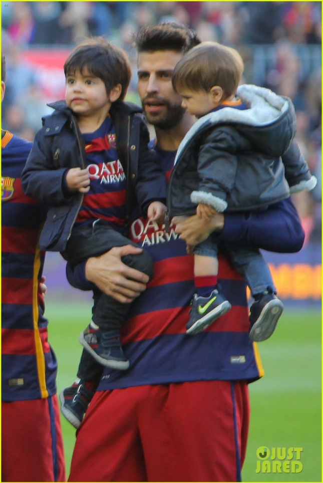 Жерар Пике с сыновьями Миланом и Сашей