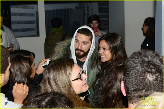 shia-labeouf-leaves-all-my-movies-theater-with-a-big-smile-03