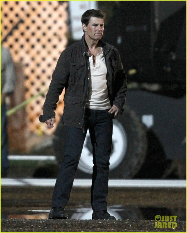 tom-cruise-filming-jack-reacher-never-go-back-05