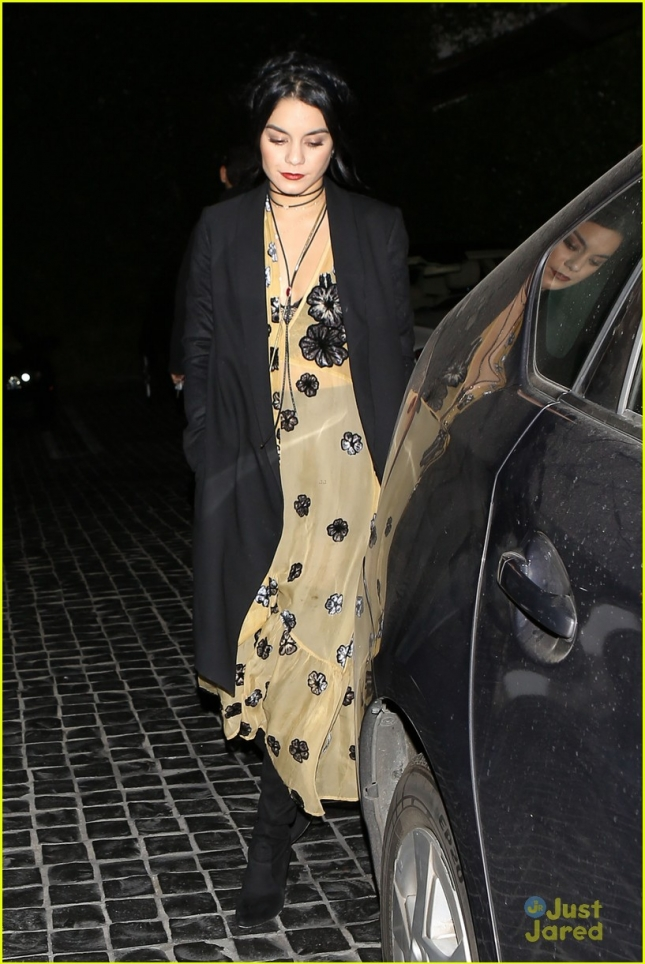 Vanessa Hudgens and Austin Butler leaving a dinner date at Cecconi's restaurant - Part 2