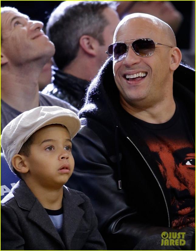 Вин Дизель сводил сына на баскетбол