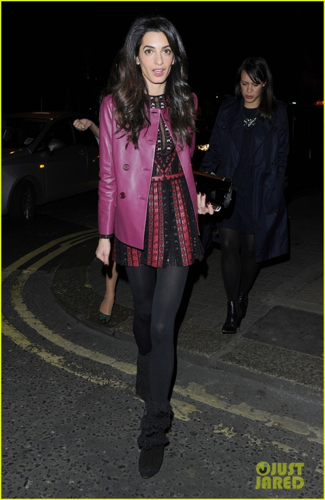 amal-clooney-looks-so-chic-02