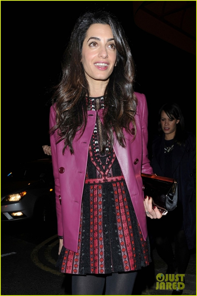 amal-clooney-looks-so-chic-06