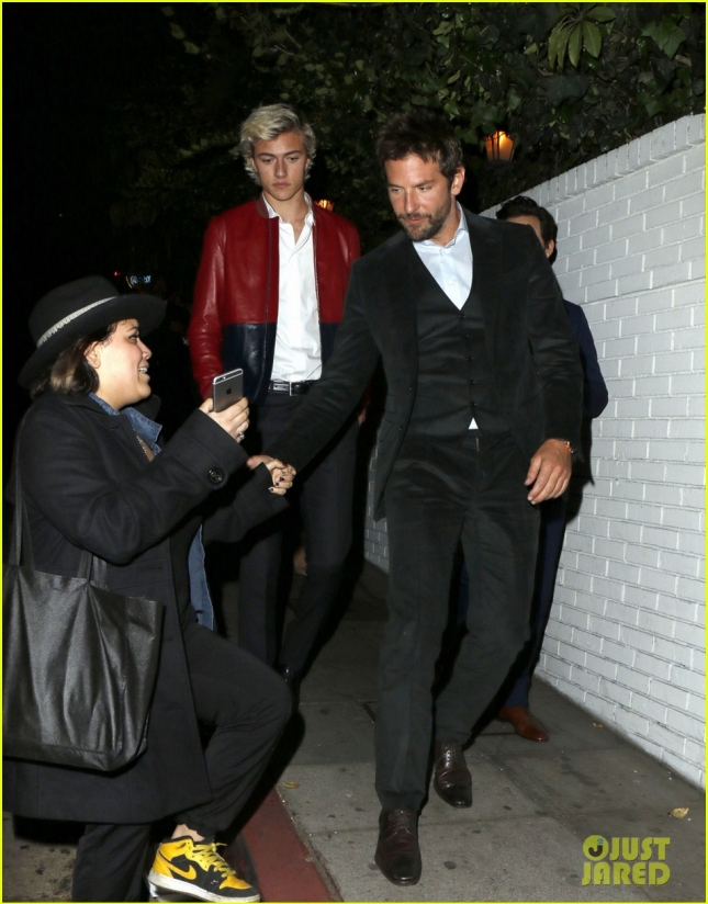 bradley-cooper-hangs-out-with-model-lucky-blue-smith-04