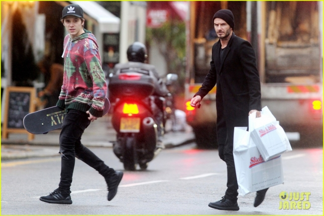 brooklyn-beckham-shopping-with-david-beckham-09