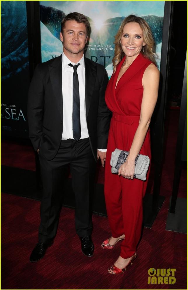 Люк Хемсворт с женой Самантой