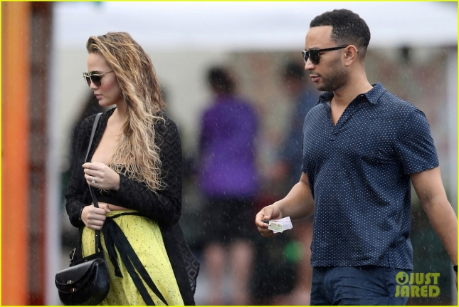 chrissy-teigen-after-revealing-sex-of-their-baby-13