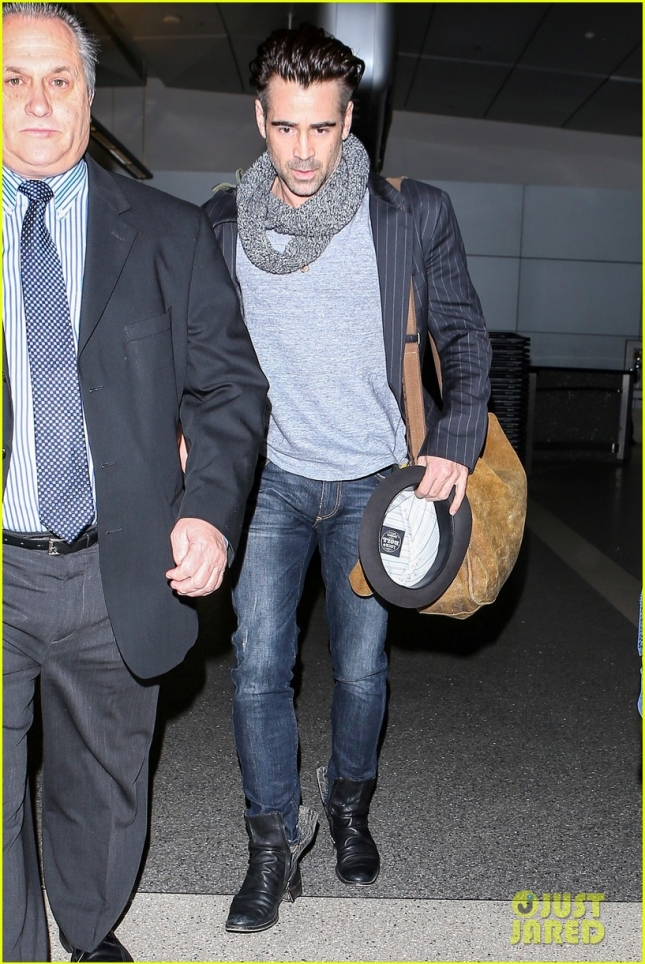 colin-farrell-looks-super-sexy-for-his-flight-out-of-town-13