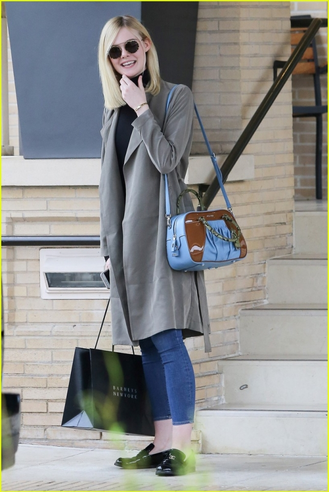 elle-fanning-shopping-beverly-hills-01
