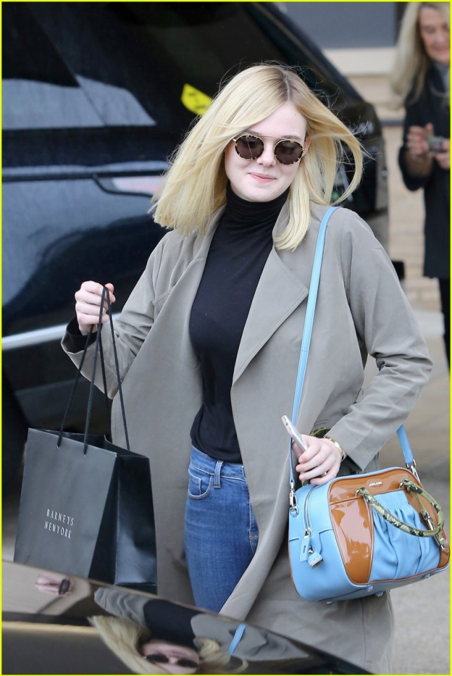 elle-fanning-shopping-beverly-hills-02