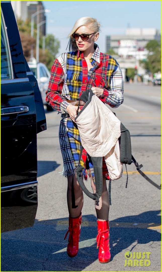 Gwen Stefani leaving church on sunday in Los Angeles, CA