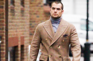 henry-cavill-turtleneck-london-02