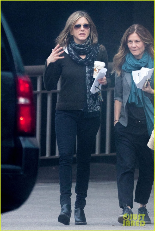 jennifer-aniston-gets-to-work-on-new-film-in-atl-02