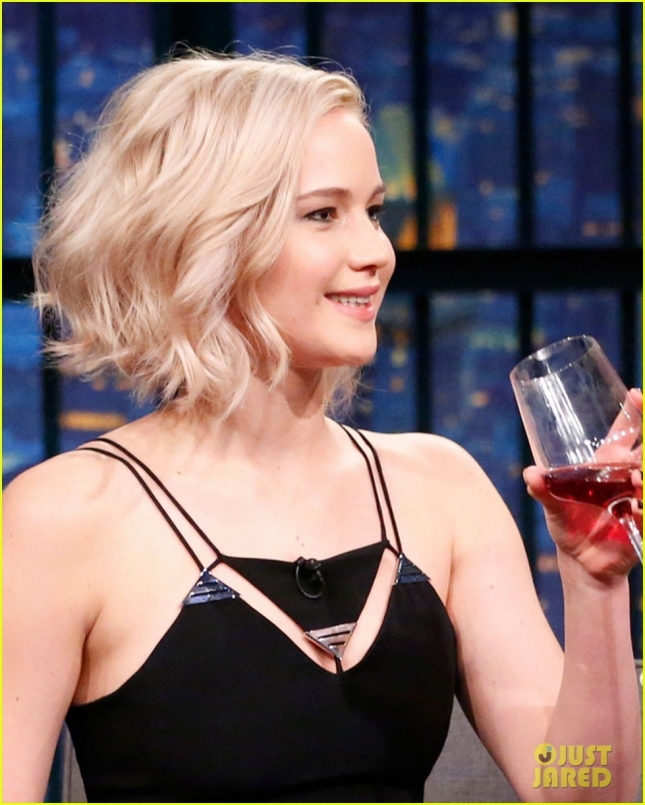 jennifer-lawrence-wanted-seth-meyers-to-ask-her-out-02