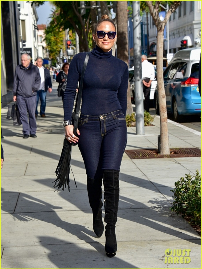 Jennifer Lopez tight jeans