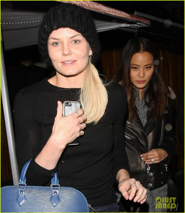 jennifer-morrison-jamie-chung-step-out-for-girls-night-out-04