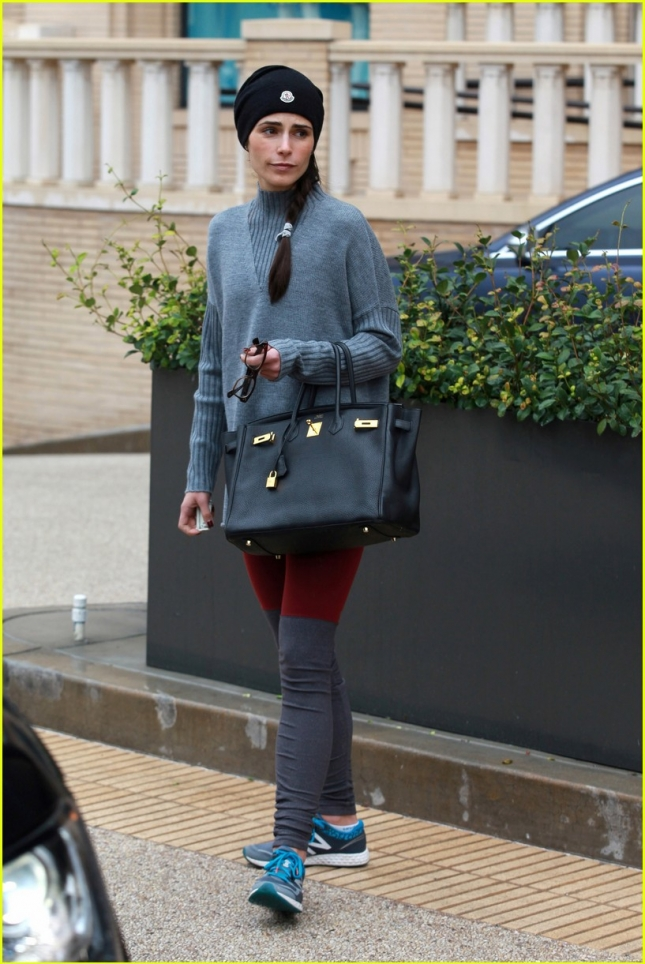jordana-brewster-shops-at-barneys-01