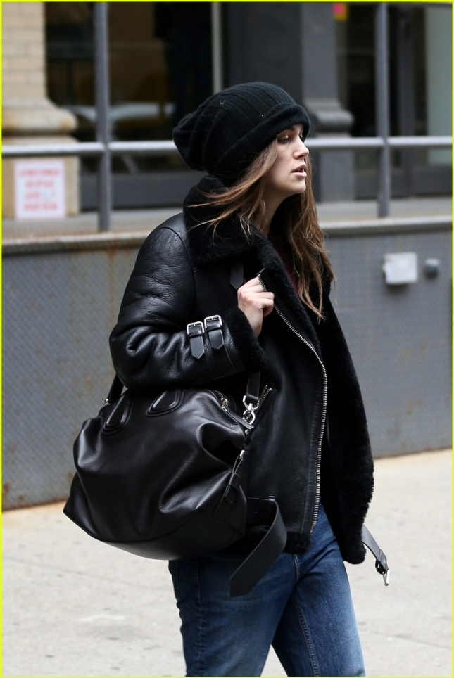keira-knightley-back-to-work-broadway-06