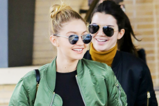 kendall-jenner-goes-christmas-shopping-with-gigi-hadid-40