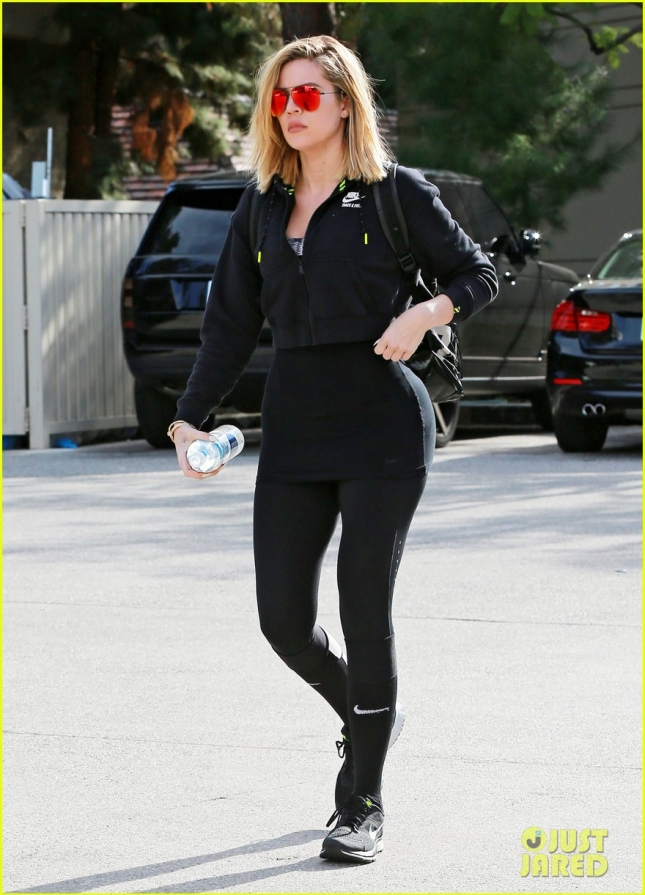 Khloe Kardashian Hits The Gym