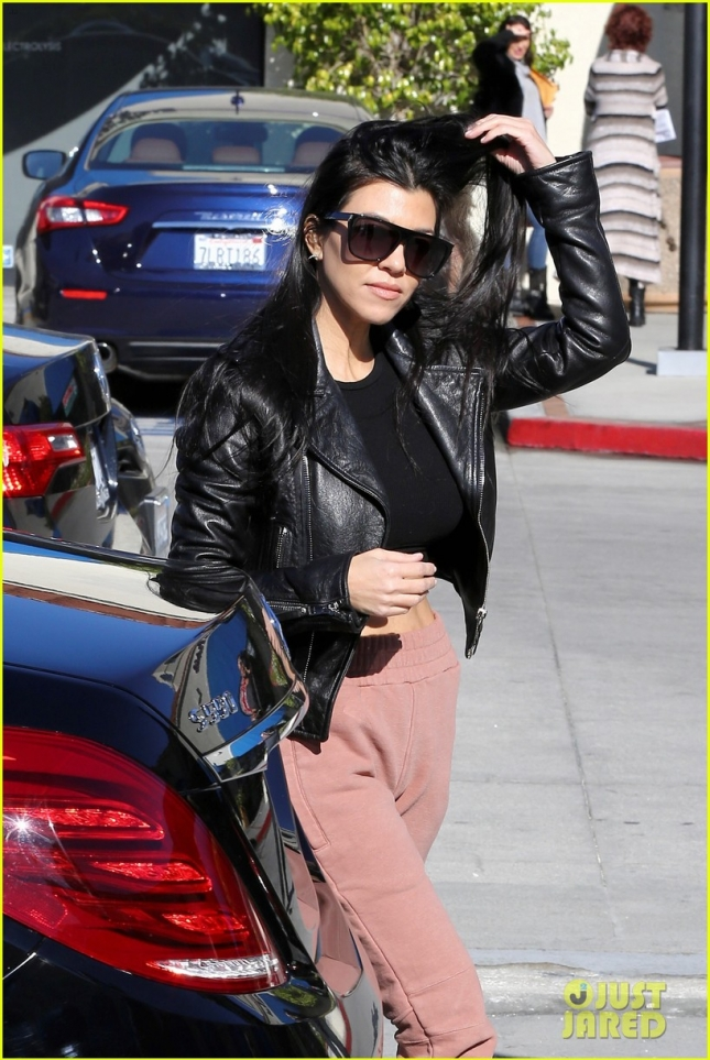 kourtney-kardashian-takes-north-and-p-to-dance-class-03