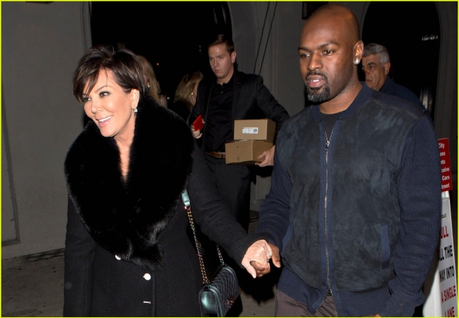 kris-jenner-supports-kylies-lip-kit-launch-05