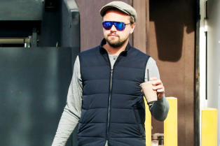leonardo-dicaprio-steps-out-on-eve-of-the-revenant-release-01