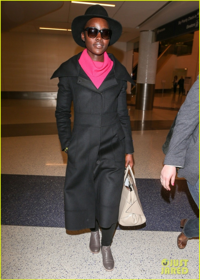 lupita-nyongo-was-not-cut-from-star-wars-jj-abrams-says-01