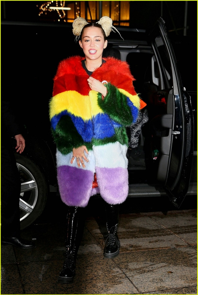 miley-cyrus-last-red-carpet-ever-04